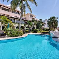 Updated Oceanside Townhome, 1 Block to Beach!