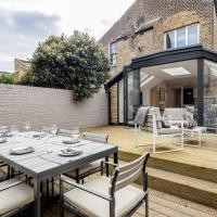 The Fulham - Luxury apartment with a stunning private deck