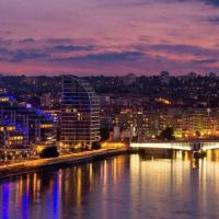 Battersea Reach Luxury Riverside Apartment
