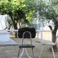 Costas Hostel Action 2
