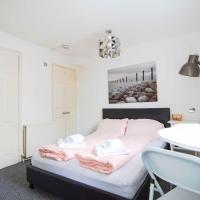 Wh D FANTASTIC Studio Flat for 2 next to GREEN PARK
