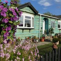 Lakeland Lodge with private Hot Tub and fishing