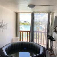 EBT Housse, appartement, jacuzzi vue mer, 10 min aéroport et port