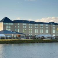 Ramada Plaza by Wyndham Geneva Lakefront Resort, hotel in Geneva