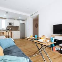 Hostly- Sol 2bdr flat with patio in Seville center
