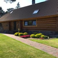 The gorgeous log house, that brings out the smile!, hotell sihtkohas Hara