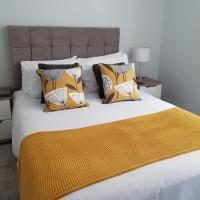 The Stunning Central Cheltenham Apartments - Free parking