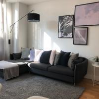 Modern, Large 2 Bedroom York Duplex, Self Check-in