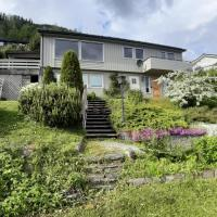 Voss family & vacation homes