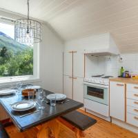 Large top floor apartment with view of Flåm valley