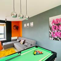 Newport House by Yoko Property - with Pool Table, Netflix & FREE Parking! Perfect for Contractors, Families and Groups!