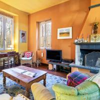 Colourful Holiday Home in Castelletto Ticino with Jacuzzi