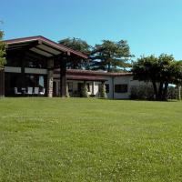 Stresa Villa Sleeps 10 with Pool Air Con and WiFi