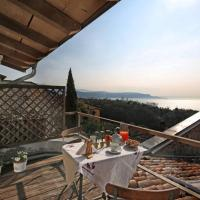 Betta - Newly Renovated Lake-View Terrace Apartment, Peaceful and Silent Surroundings