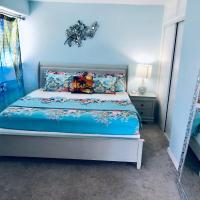 WAIKIKI 2 BEDROOMS, 1 BATH, FREE PARKING, SLEEP 6