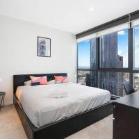 Penthouse CBD Apartment with City Views & Balcony