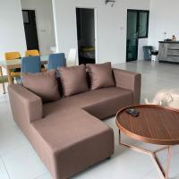 Kuching Emporium 4 bed room (8pax)
