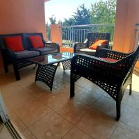 Limnaria Gardens: Sunny 2 Bed Apartment