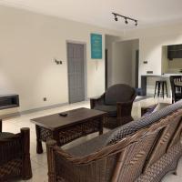 Luxtrio Home-Stay (Marina Condominium)
