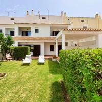 LovelyStay - Alto dos Caliços 2BR House with Garden