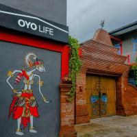 OYO Life 2615 Menik Jaya Margobawero, hotel in Madiun