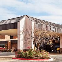 Plaza Grand Rapids Airport Hotel & Conference Center