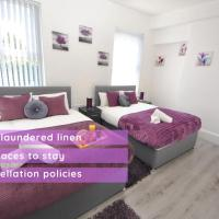 Air Host and Clean - Huge 4 bedroom, 3 bathroom house sleeps 13. 10 minutes to city centre