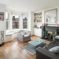 Stylish Notting Hill Flat with Roof Terrace