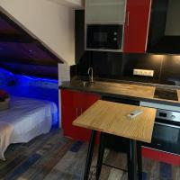 Studio in a penthouse on the border :), hotel cerca de Aeropuerto de Gibraltar - GIB, La Línea de la Concepción
