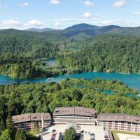 Hotel Jezero, hotel in Plitvička Jezera