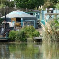Lily Lake Yurt with private Hot Tub and fishing