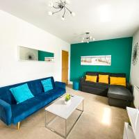 Knights House by Yoko Property - with Netflix and FREE Parking! Perfect for Contractors, Families & Groups!