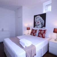 Lovely & Spacious 2 Bedroom APR Queensway