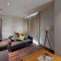 Contemporary 2 bed duplex apartment close to Heathrow