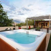 Feel Good Penthouse With Jacuzzi
