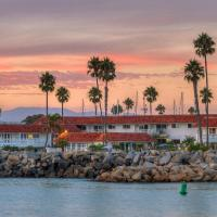 Oceanside Marina Suites - A Waterfront Hotel