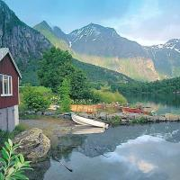 Two-Bedroom Holiday home in Eresfjord 2