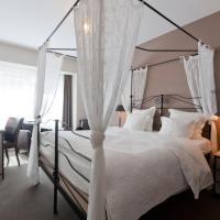 Hotel De Hofkamers, хотел в Остенде