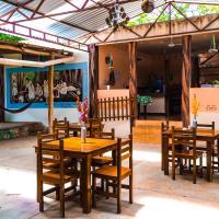Yaxche Centro Hostal y Camping