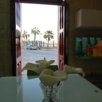 Seagull Apartment with Seaviews