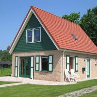 Gorgeous Holiday Home in Zonnemaire near Lake