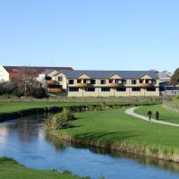 Waterfront motel