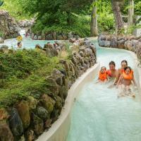 Center Parcs Les Bois Francs, hotel in Verneuil d'Avre et d'Iton