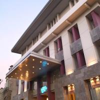 Serela Riau Bandung Hotel