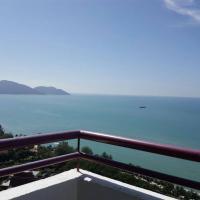 Batu Ferringhi Seaview Apartment