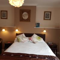 Penryn Guest House, ensuite rooms, free parking, breakfast
