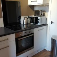 Dragon - Dumbarton Apartment 2 Bedroom Home