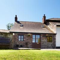 Charming Holiday home in Brecon with Fireplace