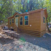 Oakzanita Springs Camping Resort Cottage 3