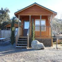 Oakzanita Springs Camping Resort Cabin 1